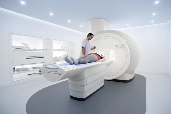 Ressonância Magnética Philips Ingenia Prodiva CS - 10